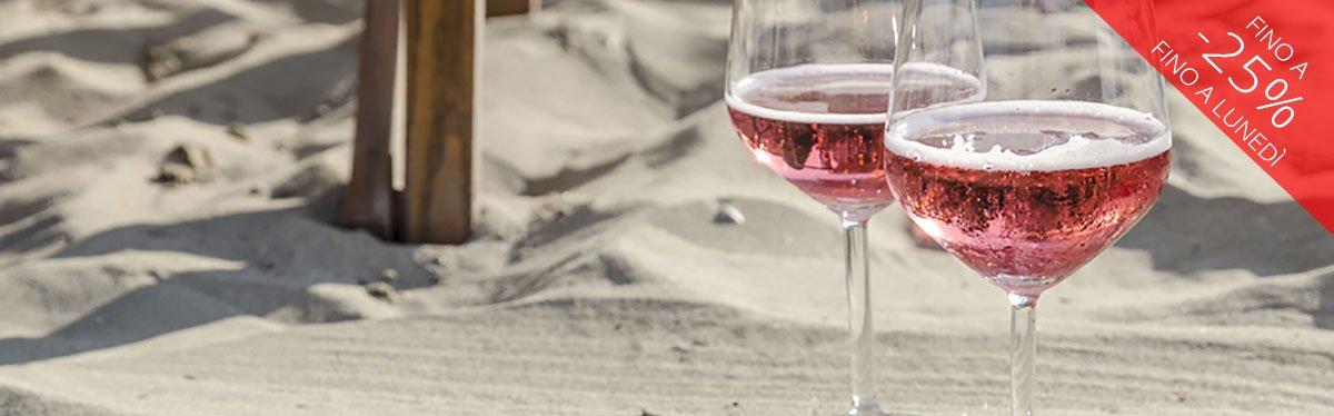 Aperitivo in spiaggia: via agli spumanti rosé